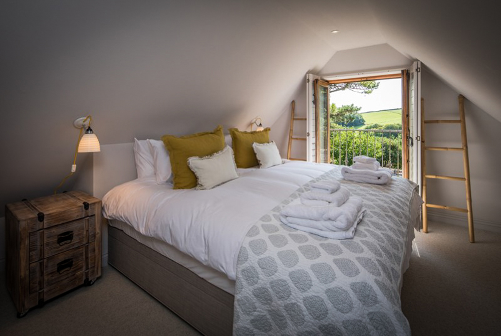 country-bedroom-cosy