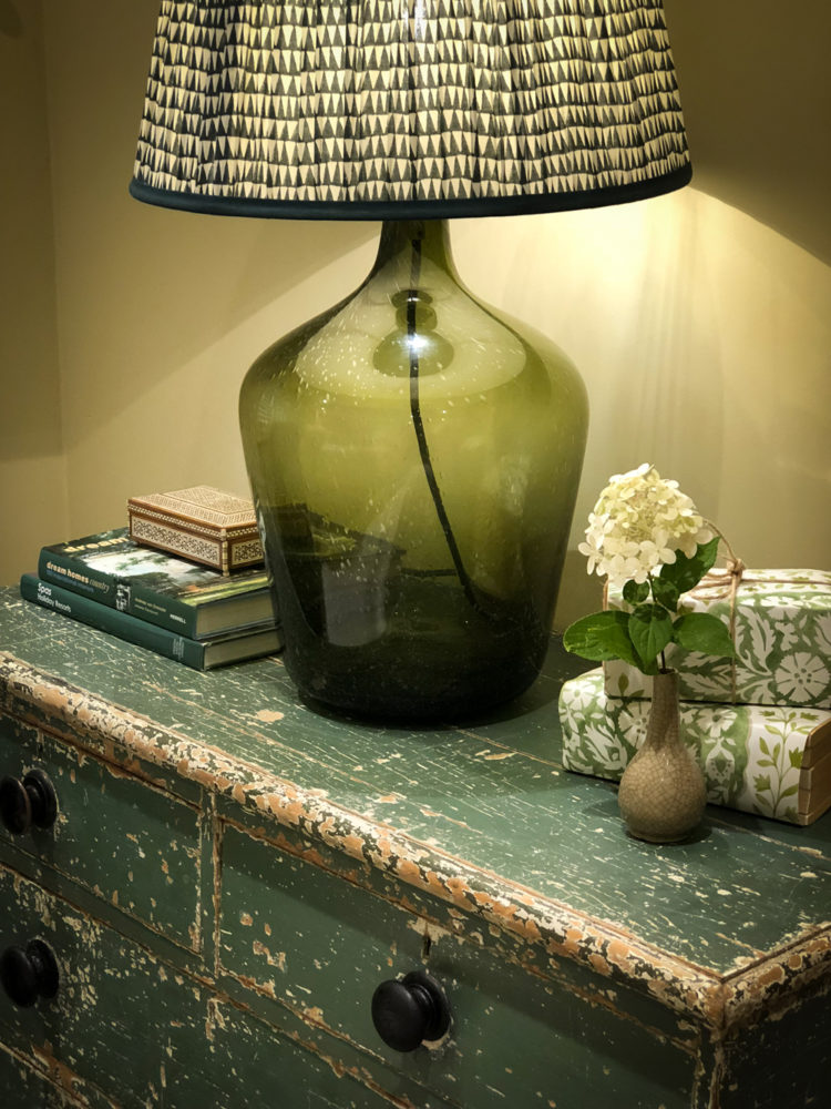 country-vintage-lamp