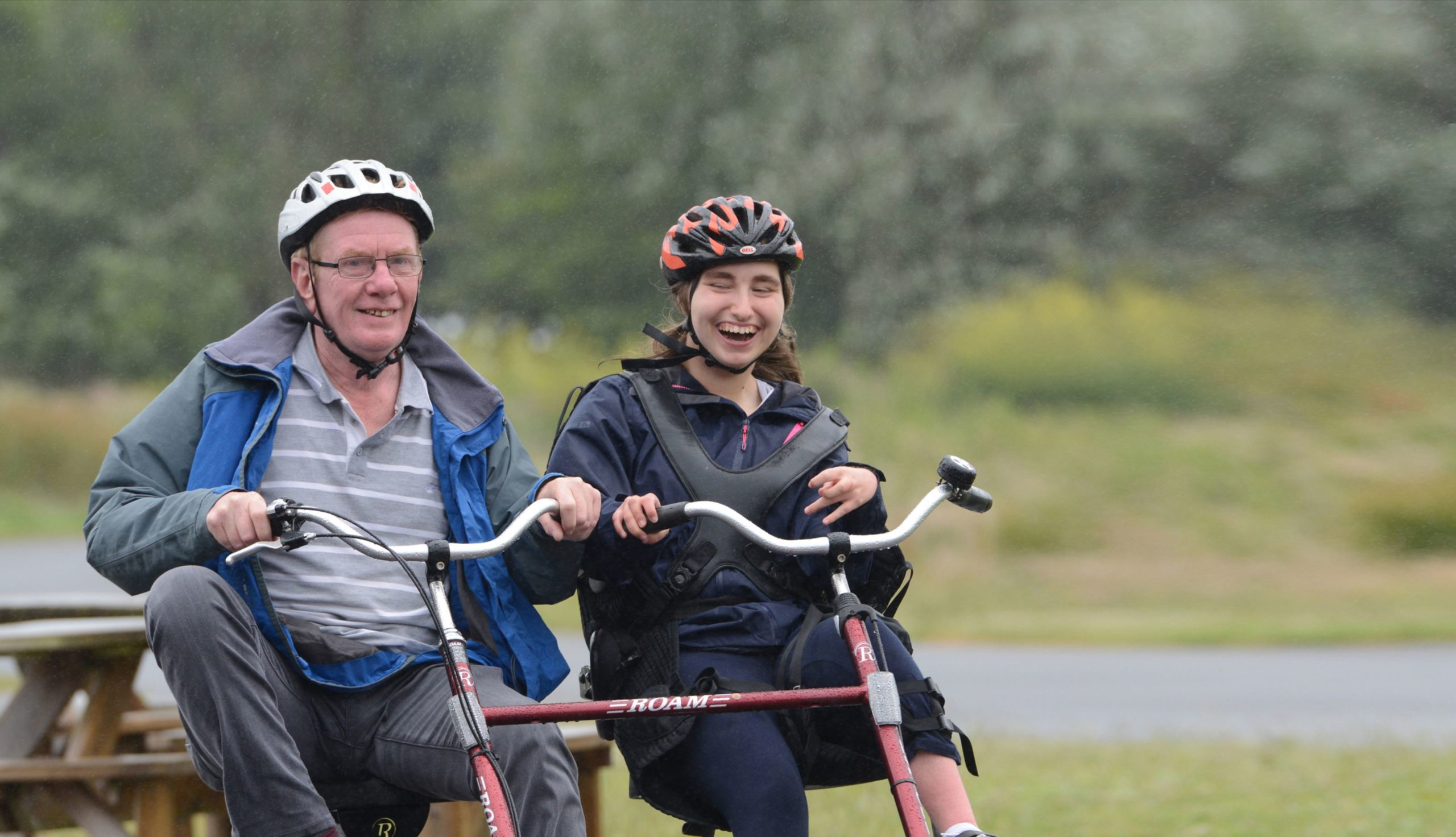 Lifeworks-robins-people-on-double-bike-cycling