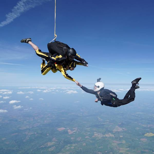 Lifeworks-fundraising-skydive-for-charity