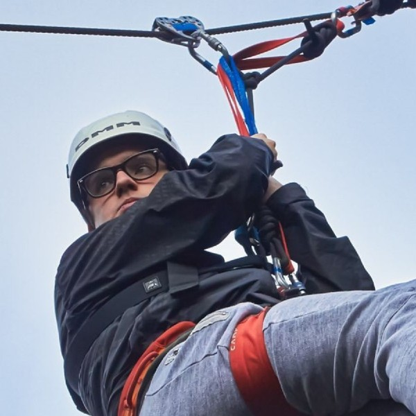 Lifeworks-residential-man-abseiling